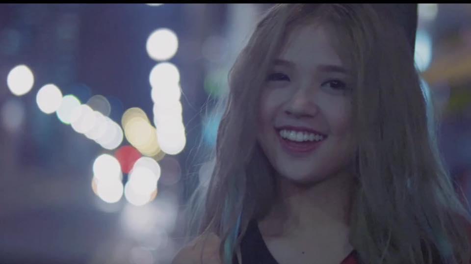 Suni Hạ Linh cover ''Âm thầm bên em'' siêu ngọt ngào