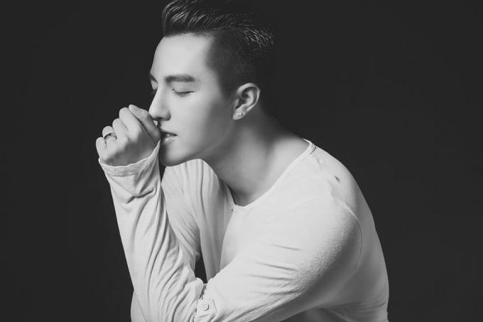 Minh Châu sâu lắng và ngọt ngào với bản cover ''Anh thế giới và em''
