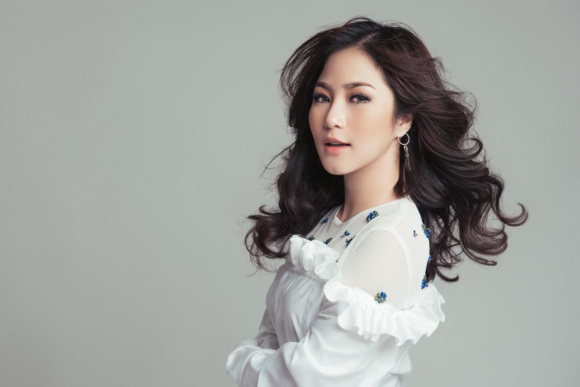 Nổi da gà với bản cover hit ''Hỏi thăm nhau'' của Hương Tràm
