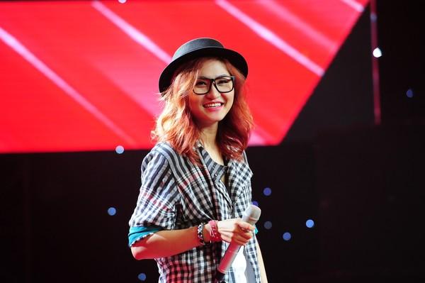 Lạ tai với bản cover ''Nói làm sao hết'' phiên bản nữ trình bày bởi Vicky Nhung
