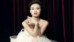 Uyên Linh thể hiện bản lĩnh quán quân VietNam Idol với bản cover ''Đừng xa em đêm nay'' chất lừ