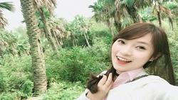 Ngỡ ngàng khả năng hát ''Có em chờ'' bằng 5 thứ tiếng của Khánh Vy-nữ sinh Nghệ An nói 7 thứ tiếng