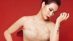 Uyên Linh hát live chẳng kém gì thu âm với bản hit ''Đi để trở về''