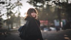 Cuốn hút với giọng hát trong trẻo của Tiểu Linh qua bản cover Mặt trời của em